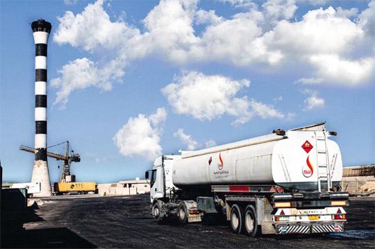 إدارة شركة الشرارة الذهبية: تحية شكر وتقدير لجهود السادة المشرفين على استمرار عمليات تزويد ونقل الوقود