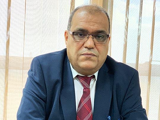 صورة للمهندس عبد الحكيم الدالي مدير مكتب السلامة المهنية بشركة الشرارة الذهبية للخدمات النفطية