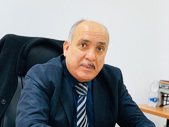 صورة السيد محمد عبد الكريم بن غرسة مدير إدارة الشؤون الفنية بشركة الشرارة الذهبية للخدمات النفطية